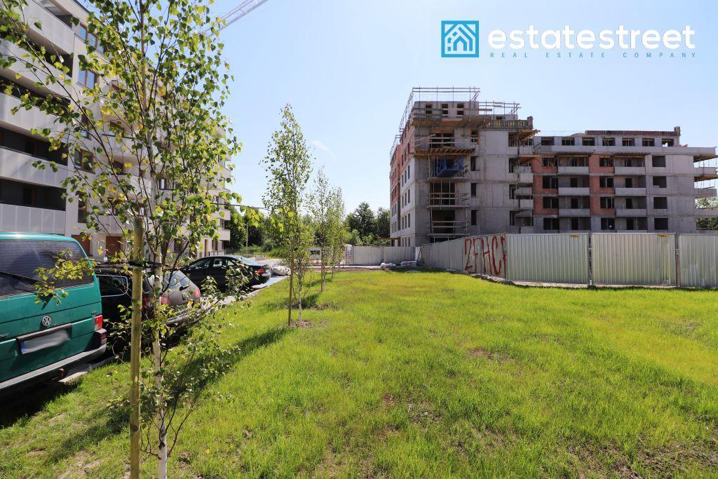 2-pok. mieszkanie z ponad 80 metrowym ogrodem!